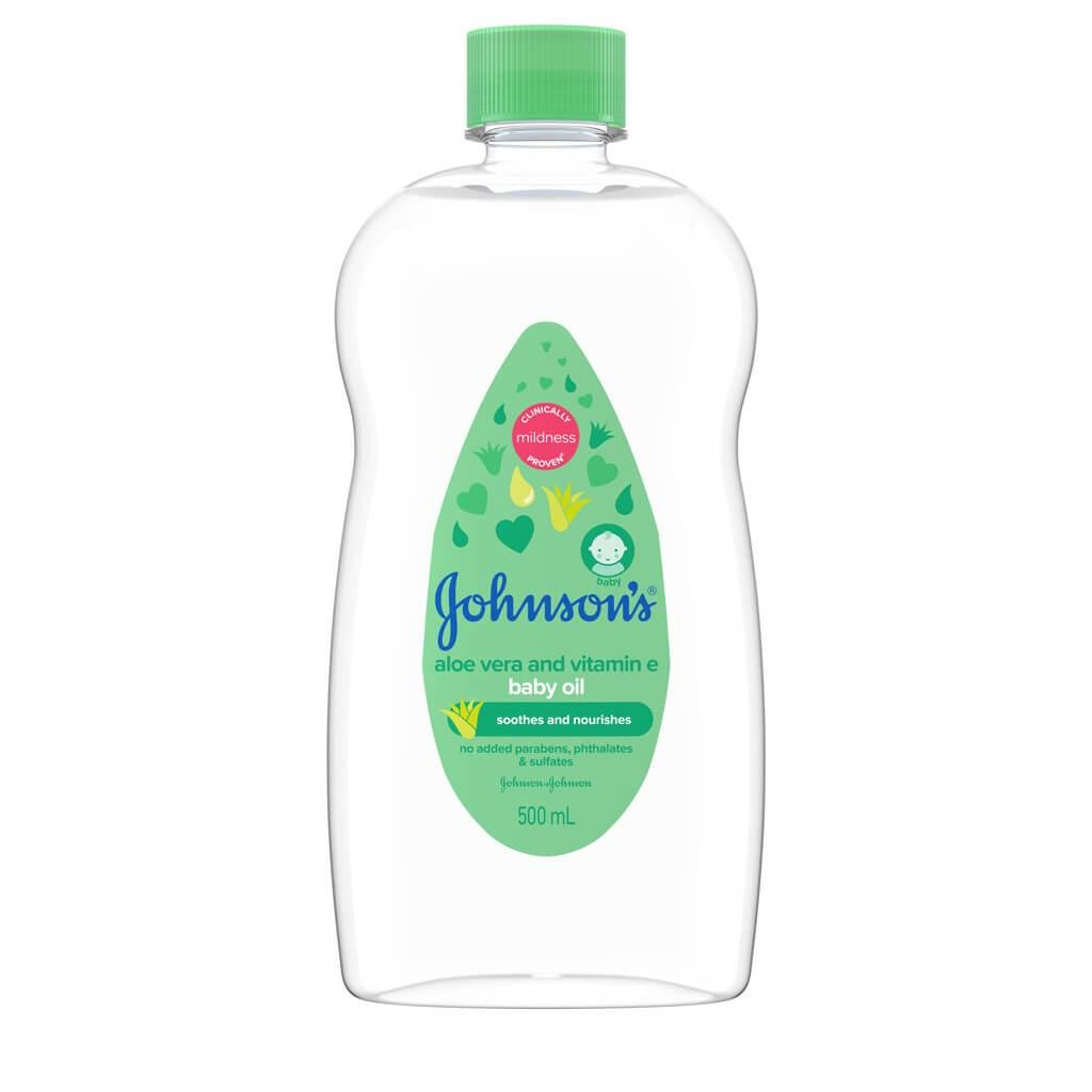 johnsons-baby-oil-with-aloe-vera-and-vitamin-e-front.jpg